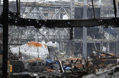 В аэропорту Донецка уничтожено здание старого терминала – Тымчук