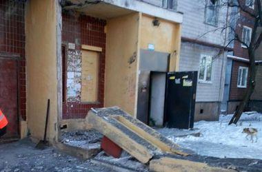 Обстановка в Донецке: десятки погибших и раненых, залпы и проверки мобильных