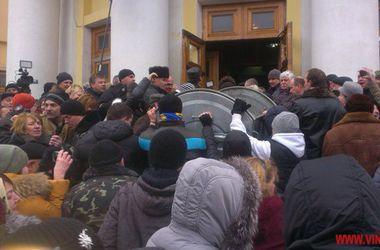 """""""Радикальная партия"""" и """"Батькивщина"""" предлагают провести расследование """"винницкого майдана"""""""
