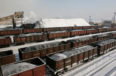 """Перевозки угля в Донбассе возобновились – """"Укрзализныця"""""""