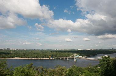 Власти Киева начнут менять Труханов остров в конце марта