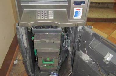 В Кривом Роге грабители вырезали деньги из банкомата