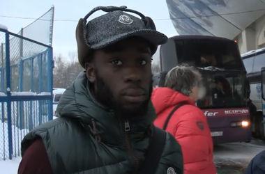 Самая смешная желтая карточка: в чемпионате России футболист справил нужду на поле