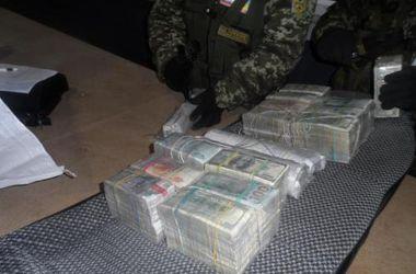 Украинец пытался вывези в Россию более миллиона долларов - Госпогранслужба