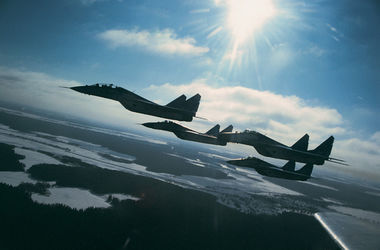 В НАТО опубликовали видео перехвата российских истребителей