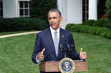 Обама предлагает не спешить с новыми санкциями против России