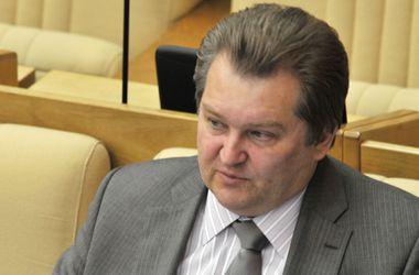 Россия должна предпринять меры, если США начнет поставки оружия в Украину - депутат