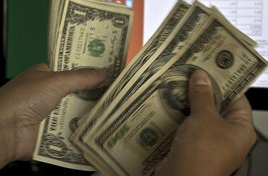 Курс доллара в обменниках вырос сразу на 20 копеек