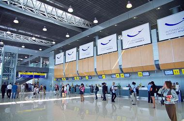 В украинских аэропортах Харькова, Днепропетровска и Запорожья запрещены полеты