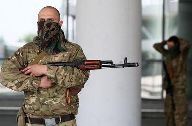 В аэропорту Донецка провели ротацию военных