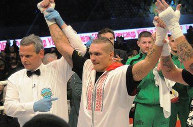 Александр Усик успешно защитил пояс чемпиона WBO