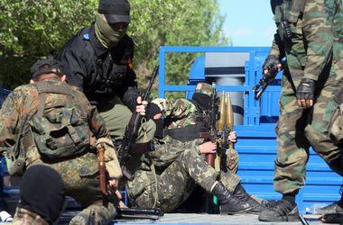 Боевики захватили завод в Торезе