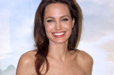 Анджелина Джоли наняла экспертов для онлайн-защиты своих детей
