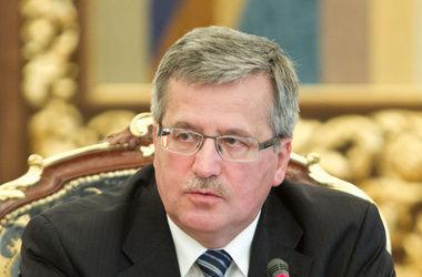 Польша готова предоставить Украине оружие и военную технику - Коморовский