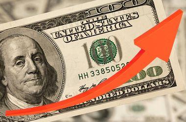 НБУ поднял курс доллара до нового рекорда