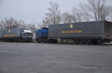 Рейс Ахметова в третий раз попытается пройти блокпосты и доставить гуманитарную помощь на Донбасс