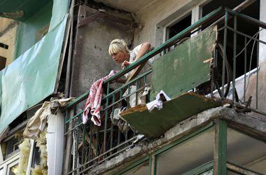 <p>Макеевка под Донецком после обстрела. Снимок сделан корреспондентом Франс-пресс в августе этого года. Если не остановить войну, вся Украина может стать такой Макеевкой. Фото: AFP</p>