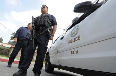 В Нью-Йорке мужчина застрелил двоих полицейских