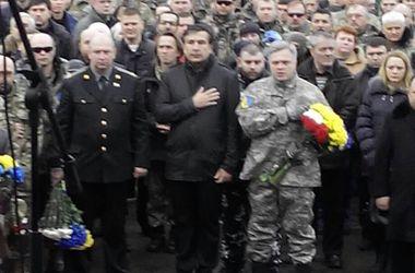 "Саакашвили на Майдане попрощался с погибшими бойцами ""Айдара"""
