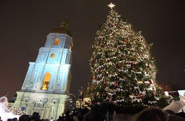 Как в Киеве зажигали главную елку Украины