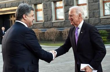 Порошенко и Байден поговорили по телефону