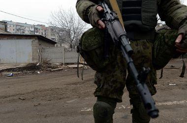 Украинских военных в Донбассе обстреливают из минометов