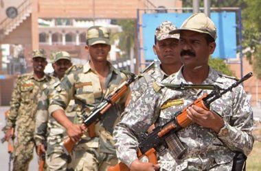 В Индии при атаках боевиков погибли почти 50 человек
