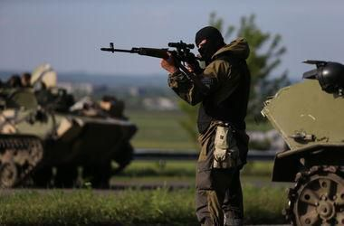 Под Мариуполем уничтожен танк боевиков и 8 российских солдат