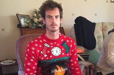 Энди Маррей в восторге от рождественского свитера