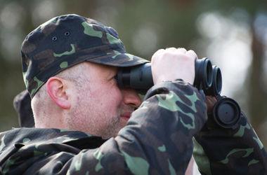 Турчинов допускает введение военного положения в Украине