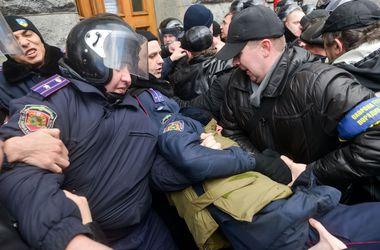 Больше половины украинцев считают, что события в Украине идут по неправильному сценарию – соцопрос