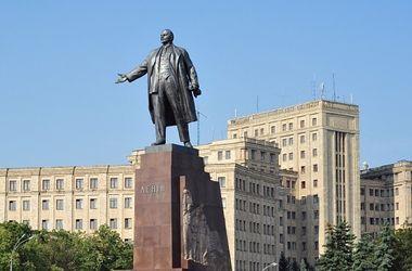 В Харькове перенесли суд о сносе Ленина