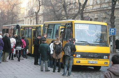 С 1 июня часть льготников лишится права на проезд дешевле или бесплатный в транспорте