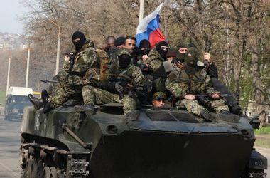 Боевики перебрасывают в Донецк и Станицу Луганскую бронетехнику, включая танки