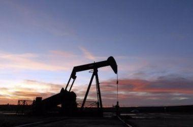 Мировые цены на нефть стремительно падают