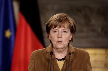 Снятие санкций с РФ возможно лишь после выполнения Минских договоренностей - Меркель