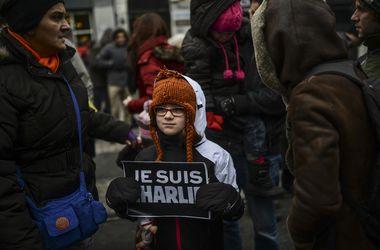 В Париже собирается митинг в память о жертвах теракта в Charlie Hebdo