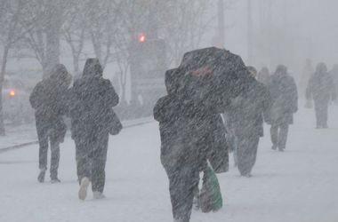 На Украину надвигаются метели и сильный ветер