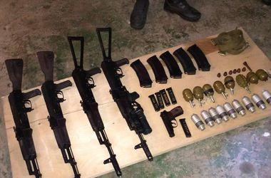 В Мариуполе милиционеры изъяли арсенал оружия