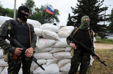 В Станице Луганской продолжаются бои, разрушено более десяти жилых домов