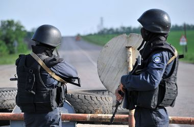 На Донбассе на линии соприкосновения с 11 января вводят спецрежим пропуска