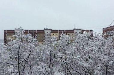 Заснеженный Донецк сотрясают мощные залпы