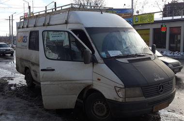 Автобусы в зону боевых действий запретили, но в Харькове продают билеты