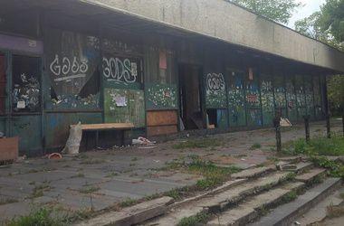 Прокуратура повернула київській громаді кінотеатр ім. Гагаріна