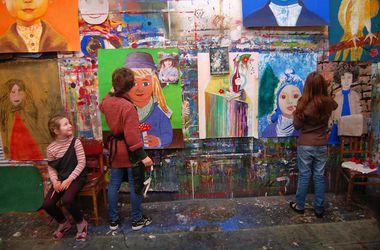 В Харькове будут проходить занятия арт-терапии для детей-переселенцев