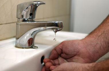 У Бортничах три місяці не можна буде пити воду з кранів