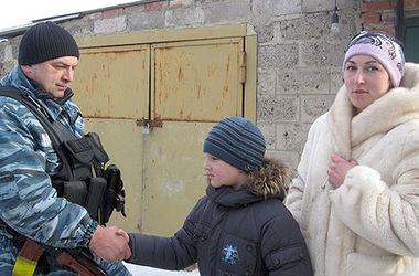 Волинські бійці на лінії фронту подружилися з 8-річним хлопчиком