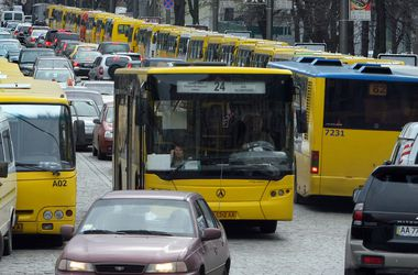 В Киеве в 12.00 остановится весь городской транспорт