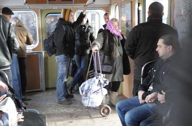 В Киевском метро остановятся поезда в память о погибших у Волновахи