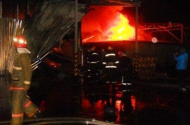 В Киеве сгорел склад известного интернет-магазина техники